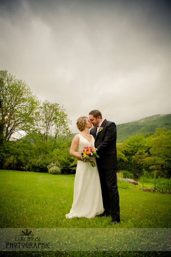 LuxeHouse photo 10011 Mountain Elopement